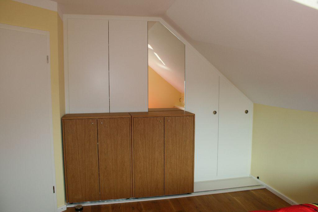 Heizkörper An Wand Wie Wird Neu Gestaltet Für Wohnzimmer